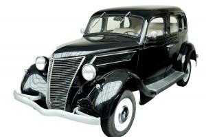 Stary klasyczny samochód marki Ford