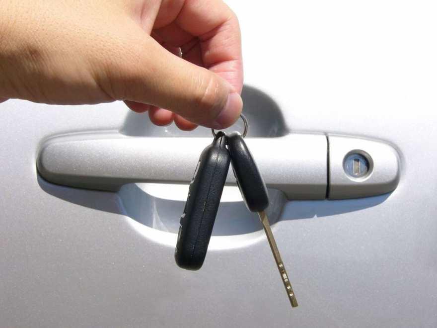 wypozyczalnia-samochodow-nowe-auta-klucze